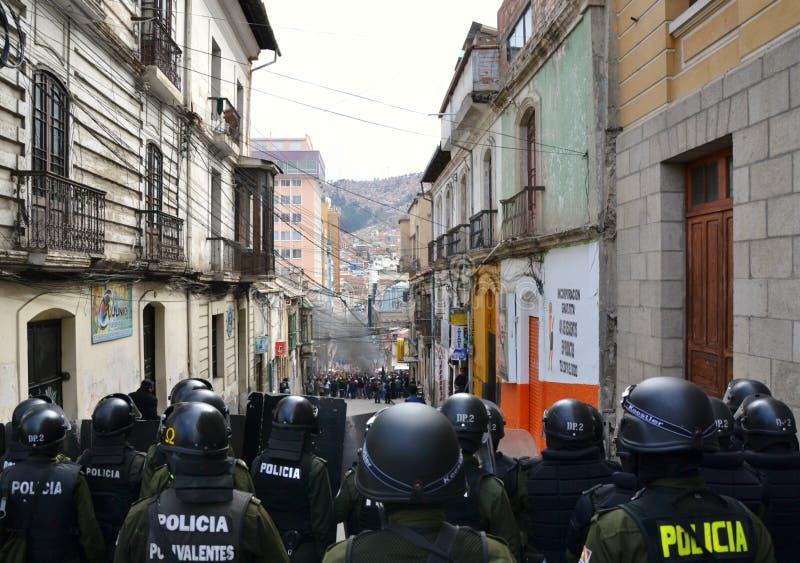Città di Paz di La e polizia di tumulto immagine stock libera da diritti