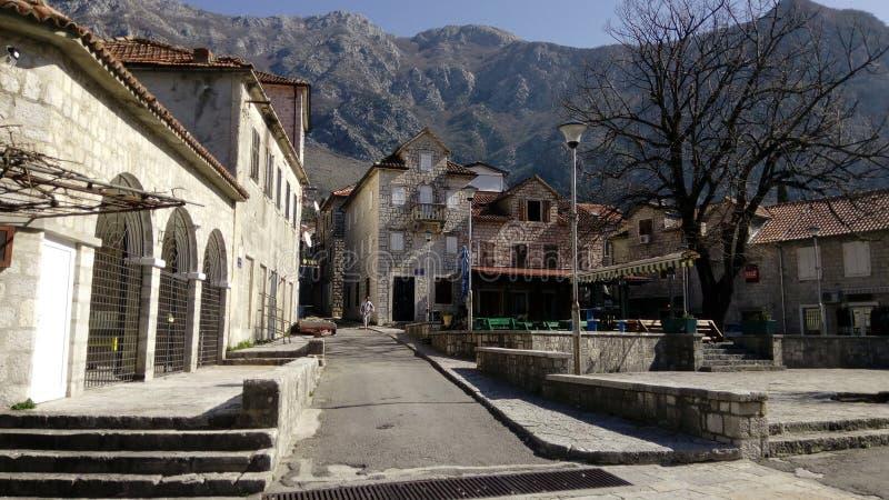 Città di Risan montenegro Città, acqua immagini stock libere da diritti