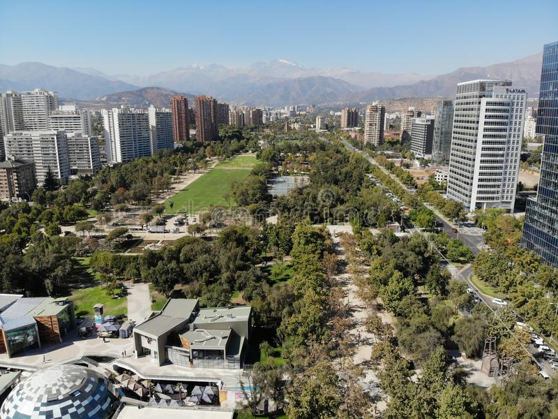 Città di Santiago del dron del parco di Araucano fotografie stock libere da diritti