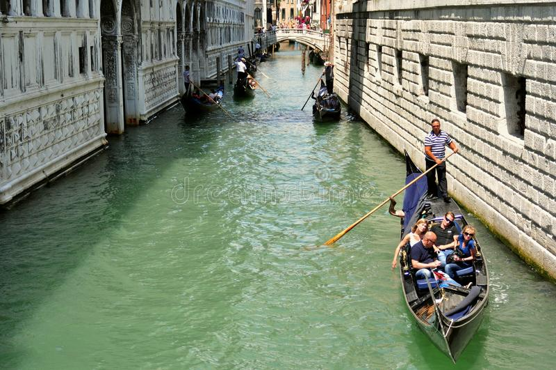 Città di Venezia veduta dal ponte dei sospiri, Italia fotografie stock