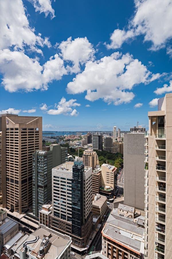 Città e baia di Sydney da altezza fotografie stock libere da diritti