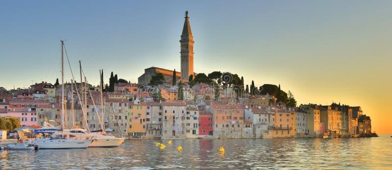 Città europea di pesca di panorama immagine stock
