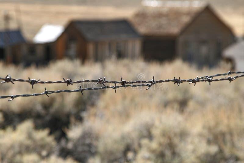 Città fantasma del filo spinato fotografie stock libere da diritti