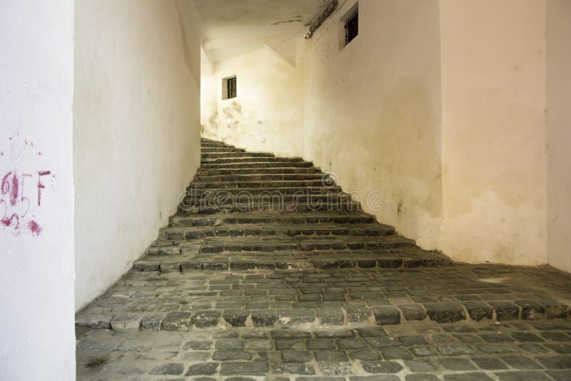 Città medievale di Sighisoara, passaggio della Romania immagini stock