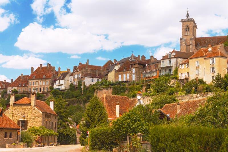 Città medievale pittoresca dell'en Auxois di Semur fotografia stock libera da diritti