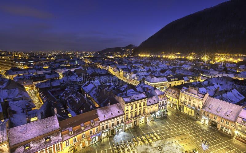 Città medievale storica di Brasov, la Transilvania, Romania, nell'inverno 6 dicembre 2015 fotografia stock