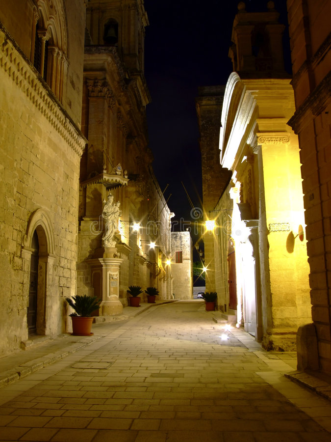 Città medioevale di Mdina entro Night immagine stock libera da diritti