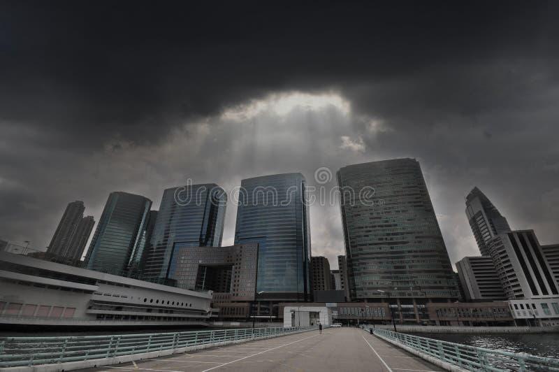 Città nella difficoltà - proprietà Mkt nella difficoltà immagini stock libere da diritti