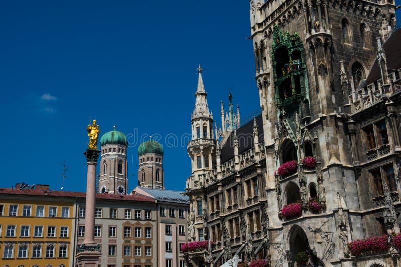 Città nuova Hall Neues Rathaus fotografie stock libere da diritti