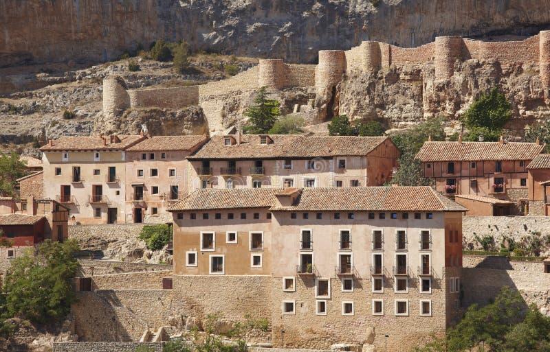 Città pittoresca in Spagna Camere e fortezza antica Albarrac fotografia stock