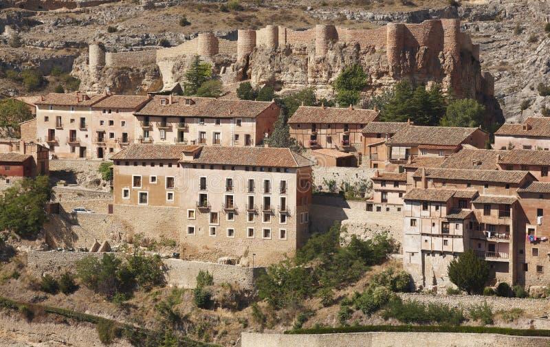Città pittoresca in Spagna Camere e fortezza antica Albarrac fotografie stock libere da diritti
