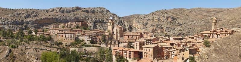 Città pittoresca in Spagna Vista panoramica Albarracin fotografia stock libera da diritti
