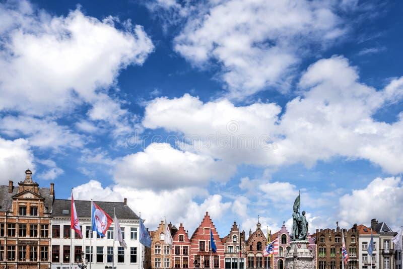 Città storica medievale di Bruges Vie di Bruges e centro, canali e costruzioni storici belgium immagine stock libera da diritti