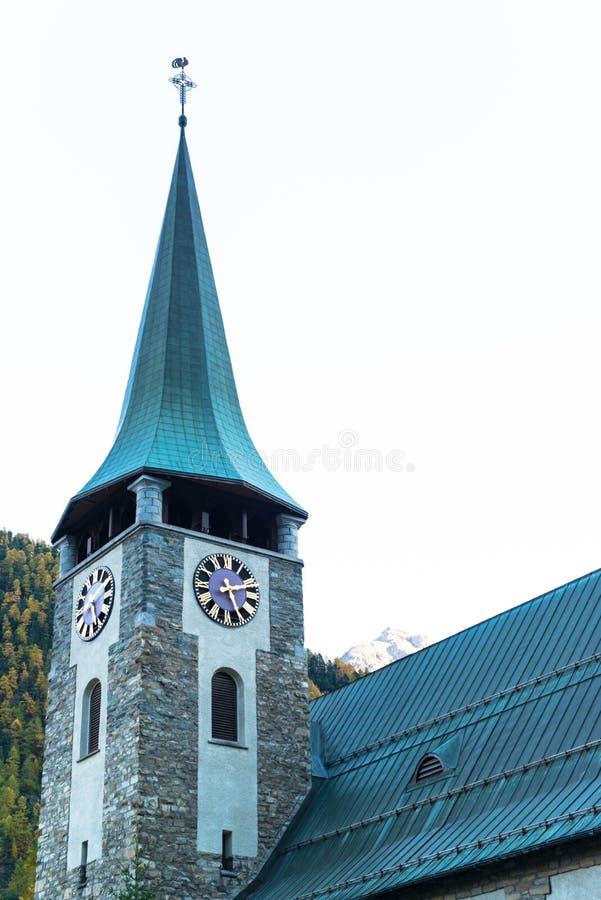 Città svizzera famosa Zermatt nella valle vicino al confine svizzero-italiano fotografie stock libere da diritti