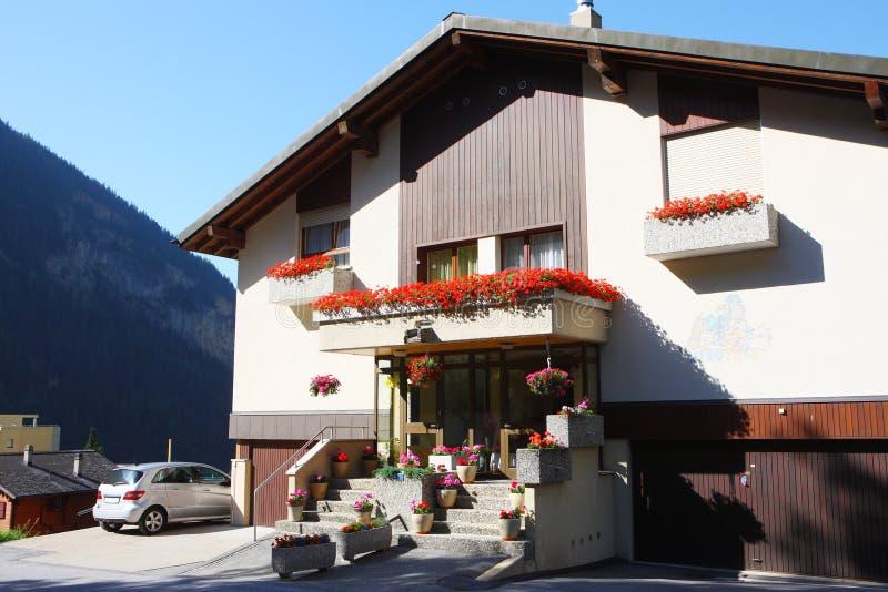 Città svizzera Leukerbad della stazione termale immagini stock libere da diritti
