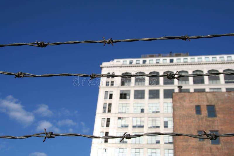 Città Urbana Del Filo Spinato Fotografie Stock