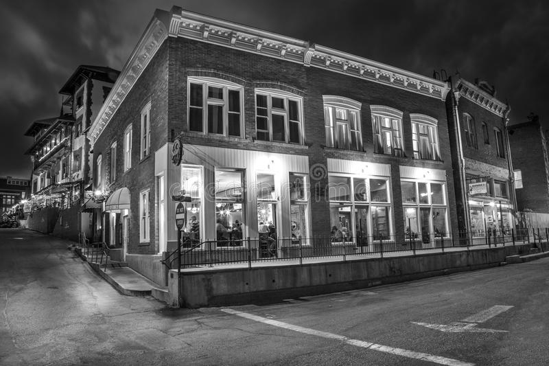 Città Vecchia Bisbee Arizona alla notte in bianco e nero fotografie stock