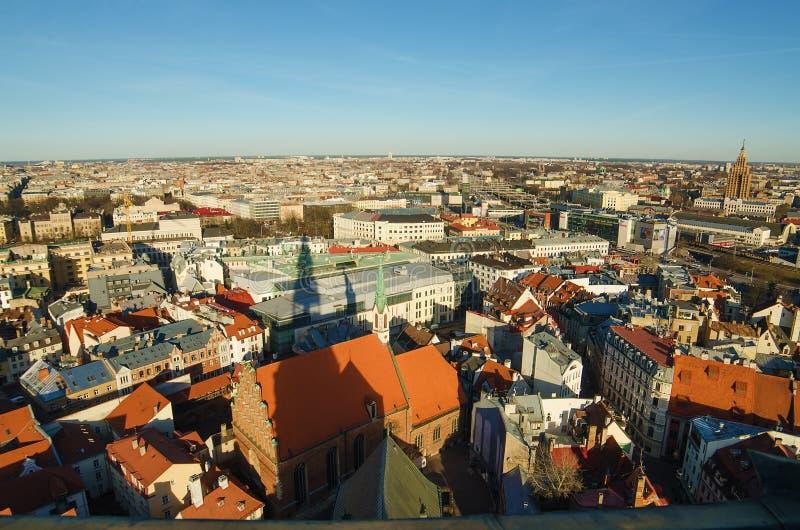 Città Vecchia di Riga (Lettonia) nella sera fotografie stock libere da diritti