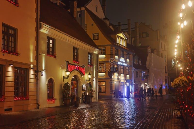Città Vecchia di Riga di notte fotografia stock