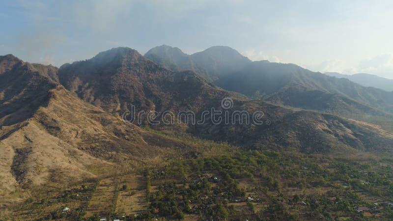 Citt? del paesaggio della montagna, montagne fotografia stock libera da diritti