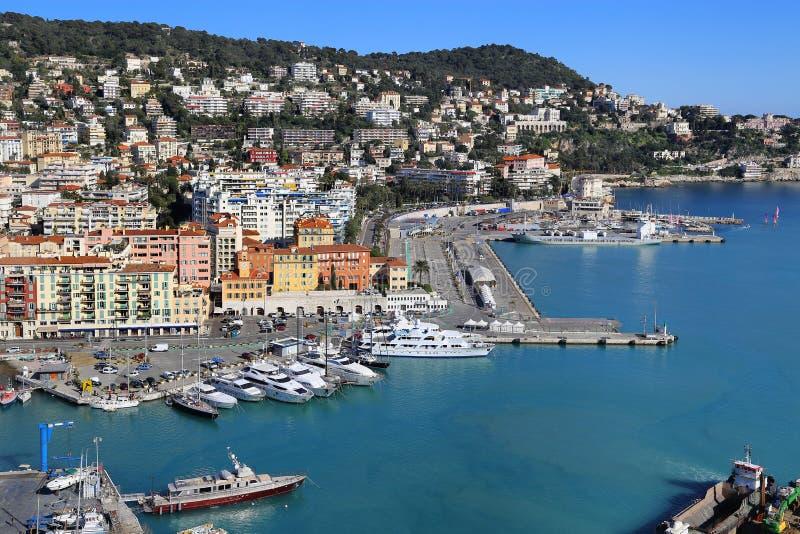 Citt? di Nizza in Francia, visualizzazione sopra porta di Nizza su Riviera francese immagini stock libere da diritti
