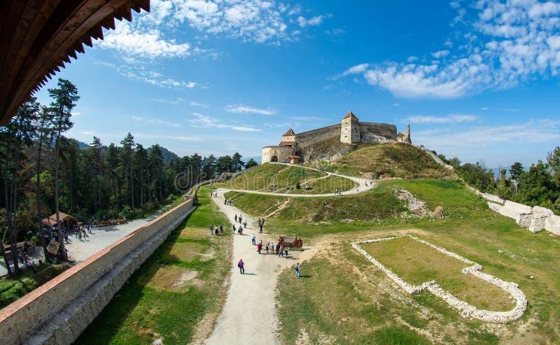 Cittadella di Rasnov da Brasov, Romania dentro la vista della corte immagine stock