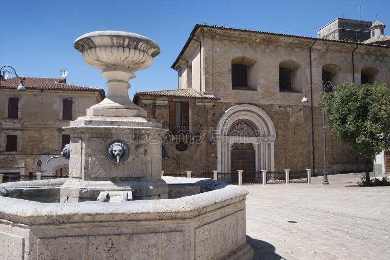 Cittaducale Rieti, Włochy: główny plac obraz stock