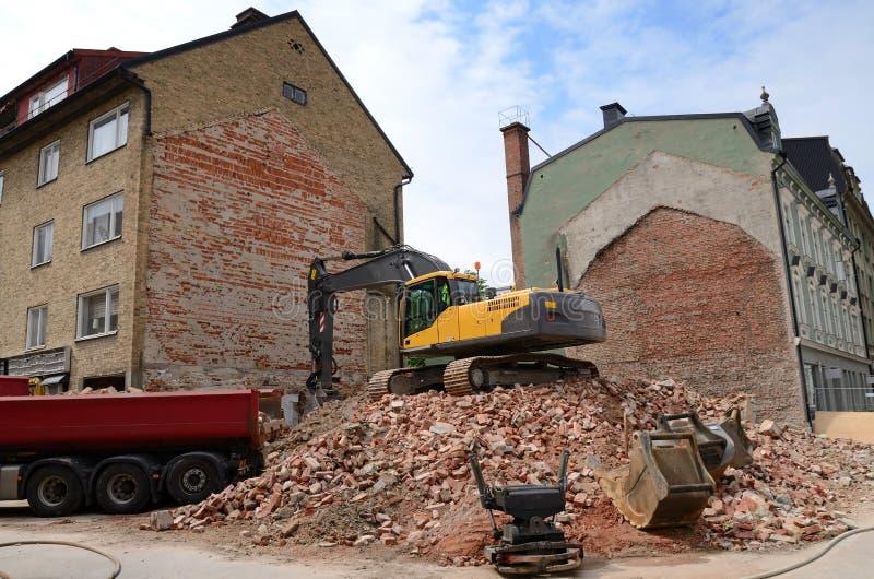 Download City Building Demolition Process Stock Image - Image: 25395543