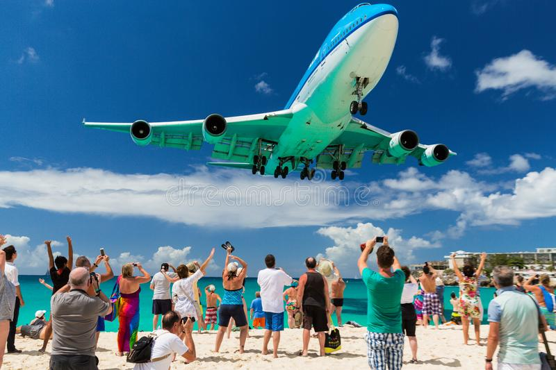 Download Landing At St. Maarten On 20th February 2015 Editorial Stock Image - Image of carribean, dutch: 99422574
