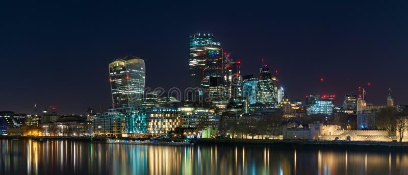 City Panorama från Tower Bridge royaltyfri foto