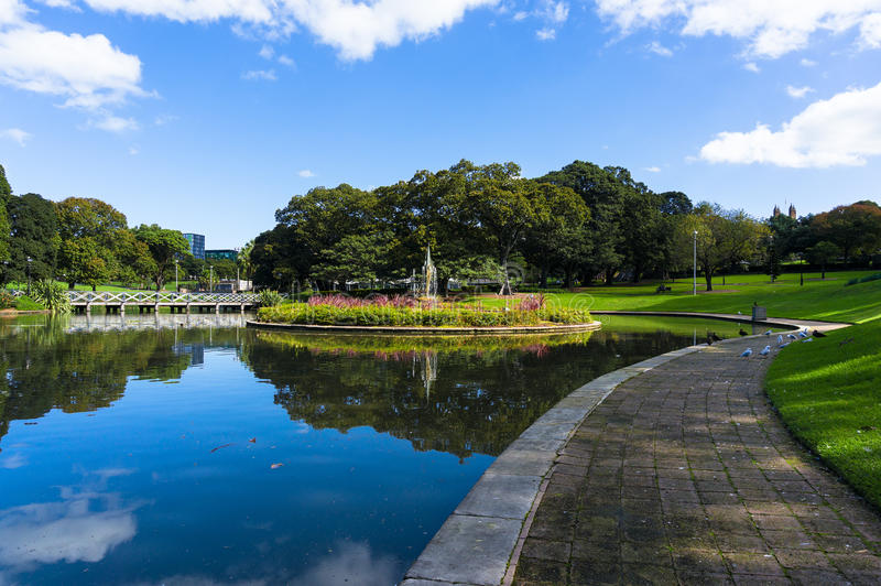 Download City Pond And Fountain, Sydney University Park Stock Image - Image of public, metropolitan: 71600507