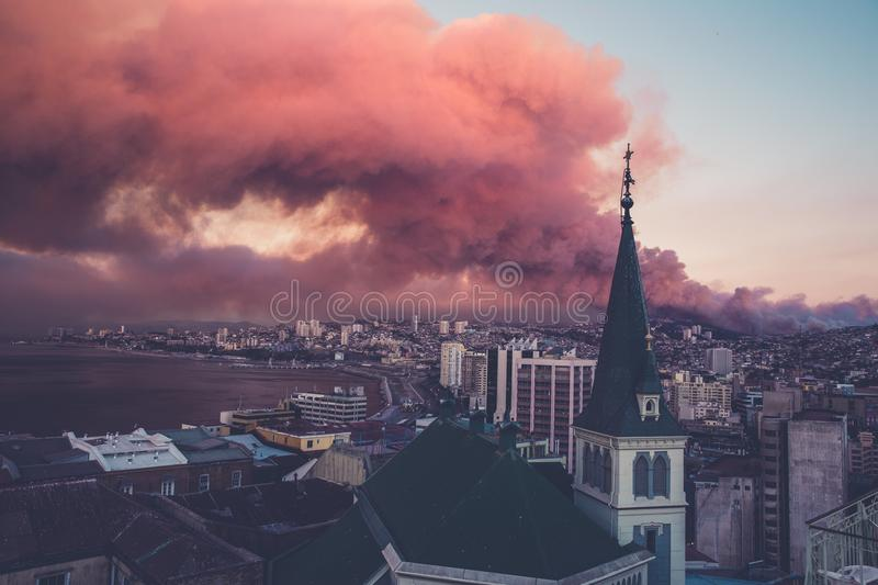 City Skyline Photo With Red Clouds Free Public Domain Cc0 Image