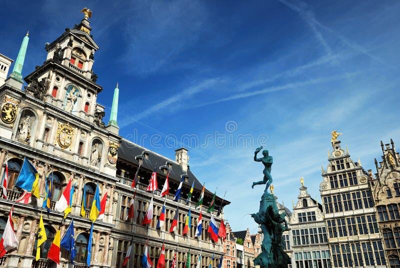 Cityhallen av Antwerpen arkivbild