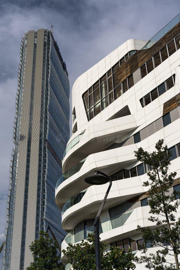 Citylife: costruzioni moderne a Milano immagini stock libere da diritti