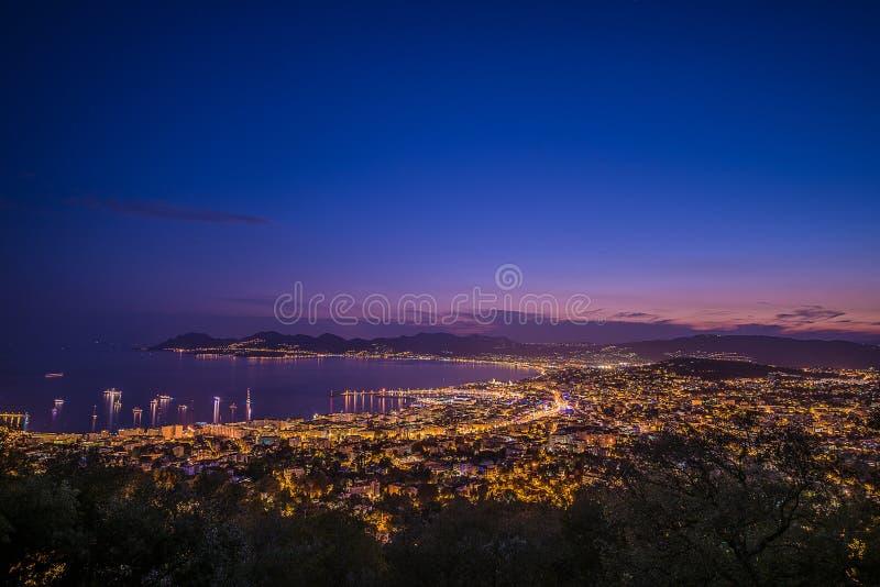 Citylight i Cannes fotografering för bildbyråer