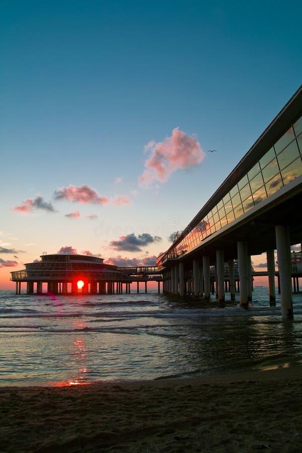 Cityline alla spiaggia fotografia stock libera da diritti