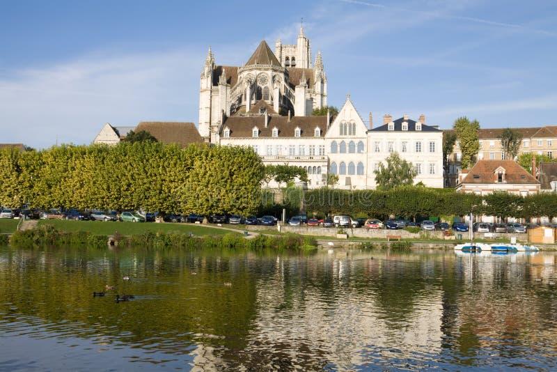 Cityscape in Auxerre, Frankrijk stock foto's