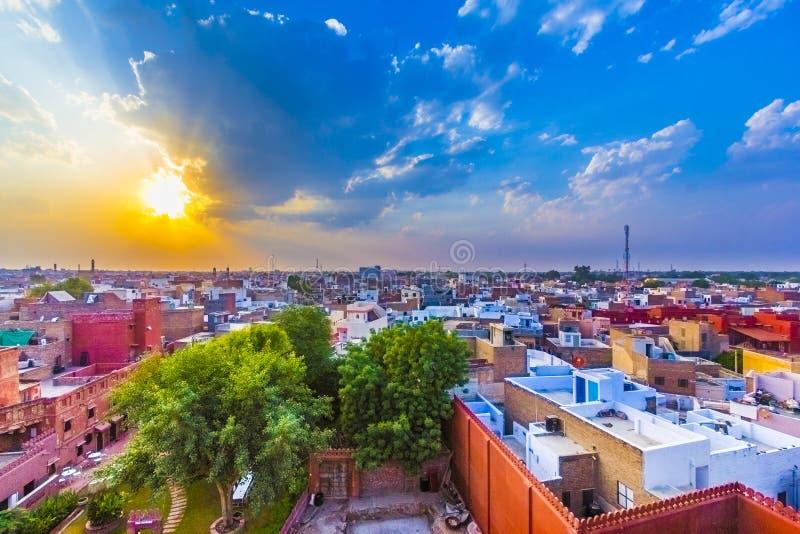 Cityscape av Bikaner, gammal indier royaltyfri foto