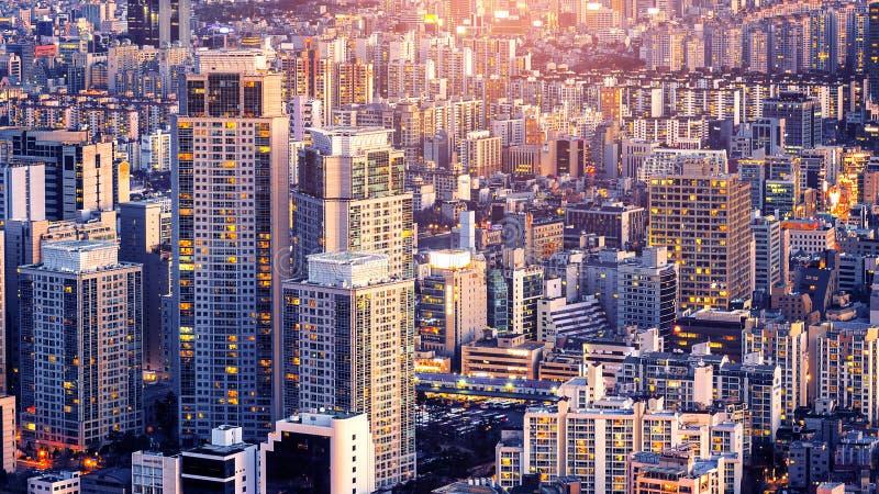 Cityscape av byggnad och hotellet i Korea royaltyfria foton