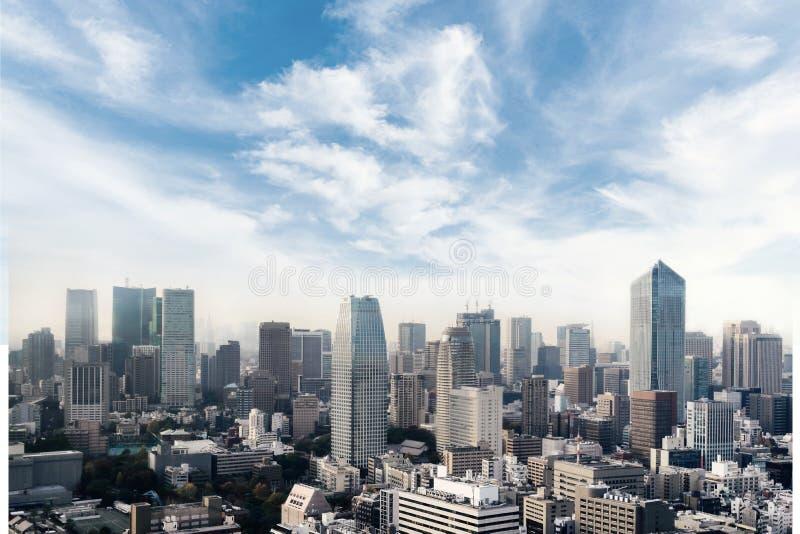 Cityscape av den Tokyo staden, Japan Flyg- skyskrapasikt av kontorsbyggnad och centret av tokyo med bakgrund f?r sunset/soll?nef? royaltyfri bild