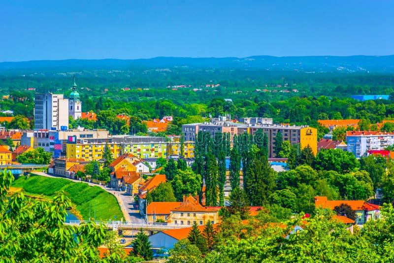 Cityscape av Karlovac, Kroatien royaltyfri foto