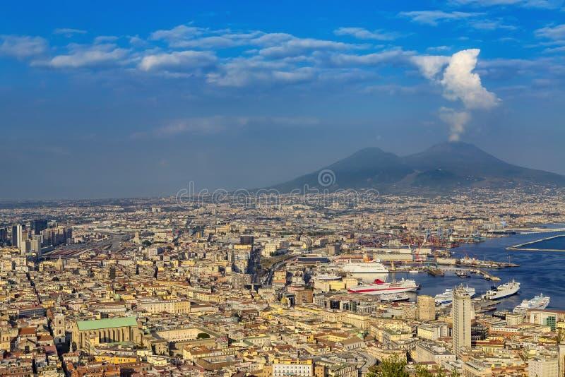 Cityscape av Naples, Italien royaltyfria bilder