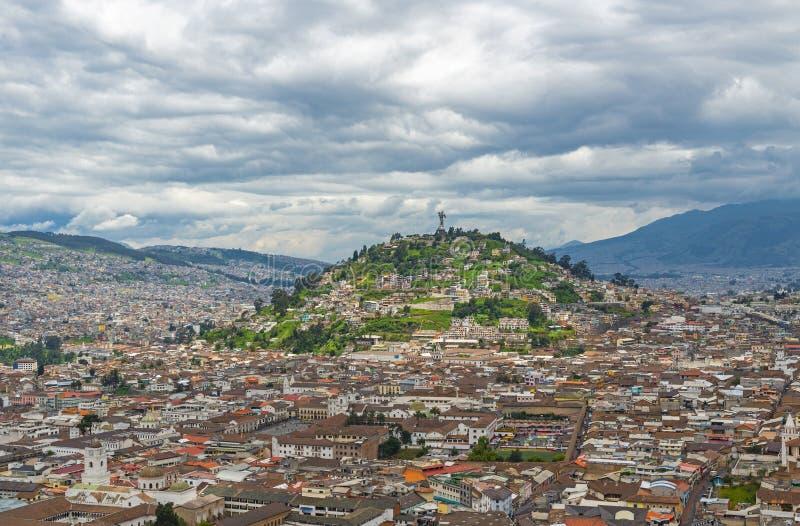 Cityscape av Quito, Ecuador arkivfoton