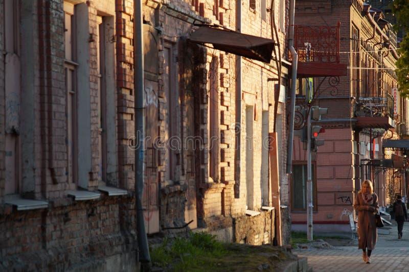 Cityscape: een sectie van Malyshev-Straat, huisvest Nr 58-56 stock afbeelding