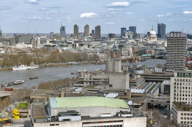 Cityscape en horizon van Londen met de Theems, Engeland, het UK royalty-vrije stock foto
