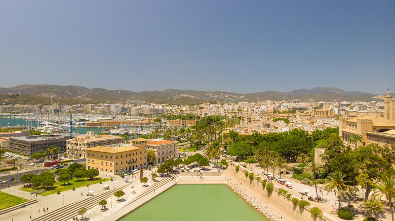 cityscape Flyg- sikt av den Palma staden, Mallorca, Spanien arkivbild