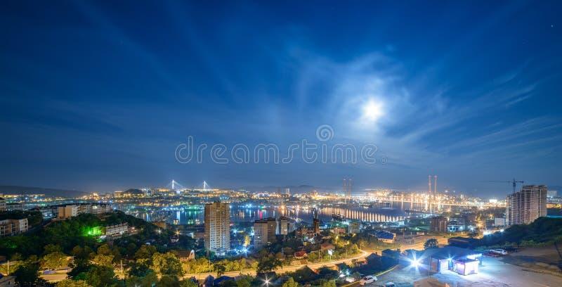 cityscape Lua cheia foto de stock royalty free