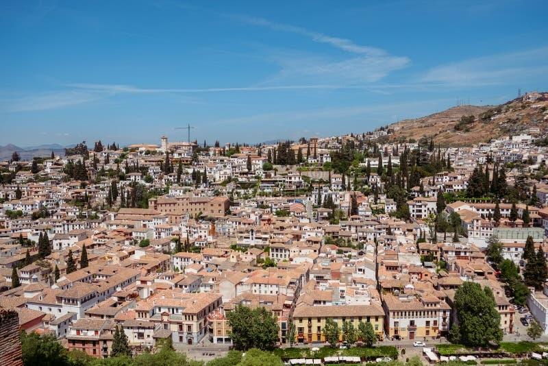 Cityscape mening van Albayzin Granada, Andalusia, Spanje stock foto's