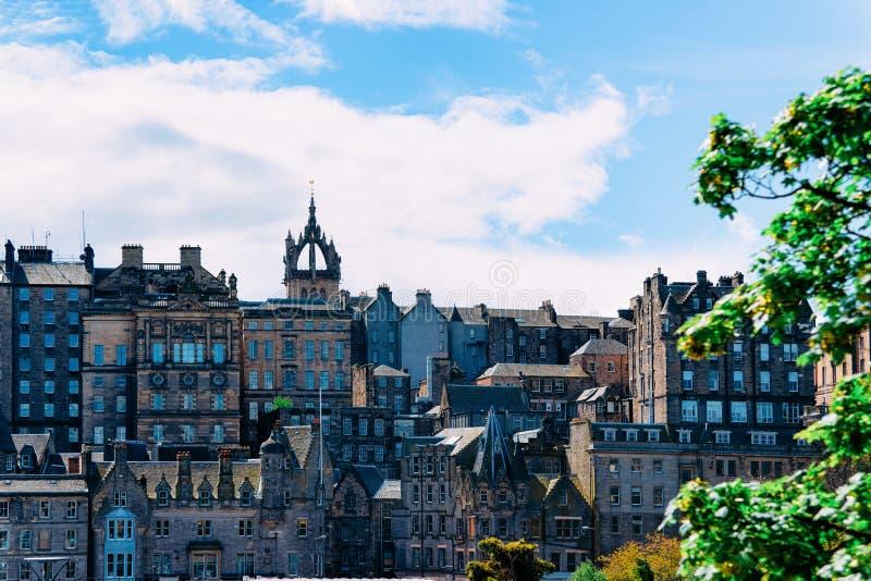 Cityscape met Heilige Giles Cathedral van Edinburgh in Schotland stock afbeeldingen