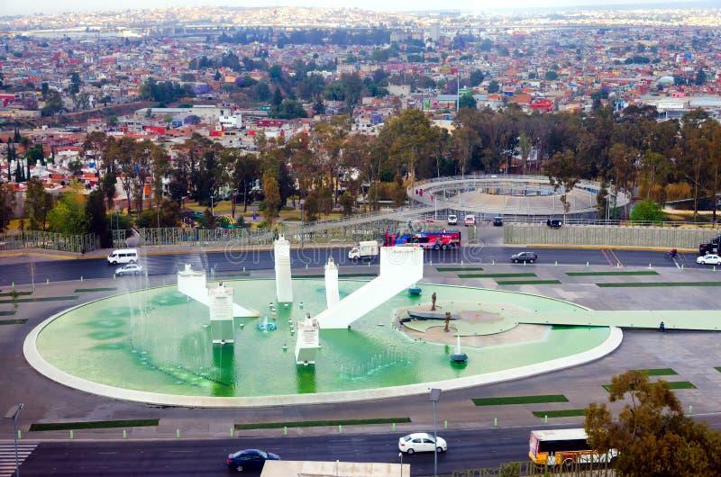 Cityscape met het Monument van Zaragoza Ignace in Puebla royalty-vrije stock afbeeldingen